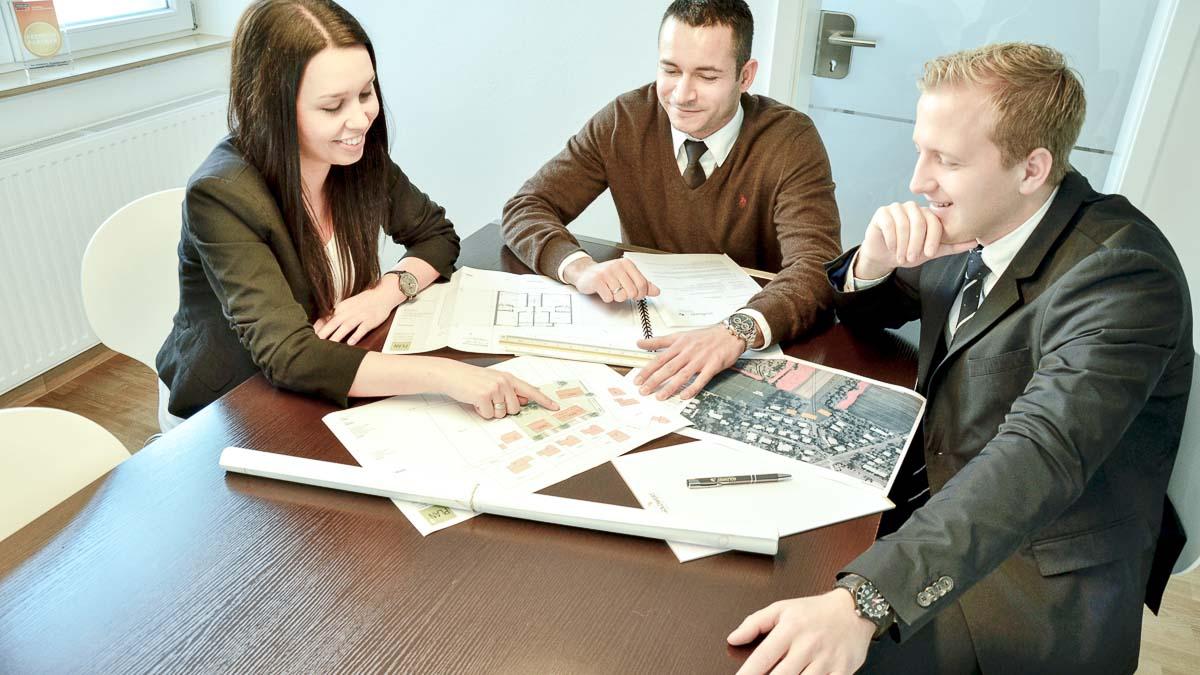 immobilienmakler haus verkaufen immobilienbewertung haus zu verkaufen hausverkauf immobilien verkaufen wertermittlung haus immobilienbewertung kostenlos immobiliengutachter verkehrswert immobilie verkehrswertgutachten immobilienwert ermitteln wertermittlung immobilie immobilie bewerten grundstück verkaufen immobilienwertermittlung immobilienwert berechnen gutachter immobilien immobilienberater wertgutachten haus immobiliensachverständiger hausbewertung sachverständiger immobilien immobilienbewertung online kostenlos haus wertermittlung immobilien wertermittlung kostenlose immobilienbewertung grundstücksbewertung gebäudewertermittlung wertgutachten immobilie hausbewertung online verkauf immobilie bauplatz verkaufen grundstücksbewertung kostenlos immobilien